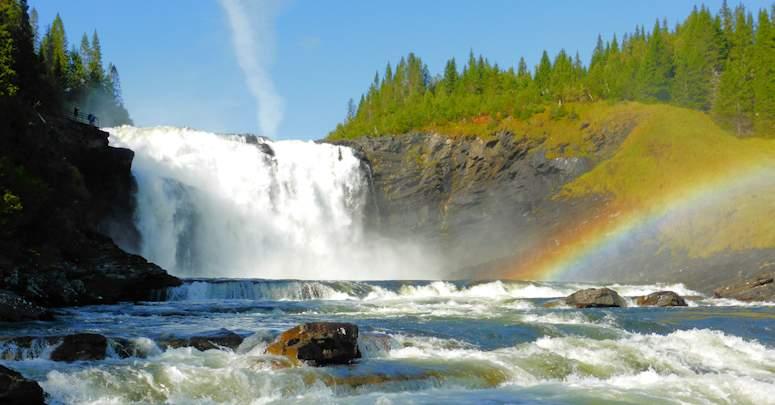 vackra vattenfall