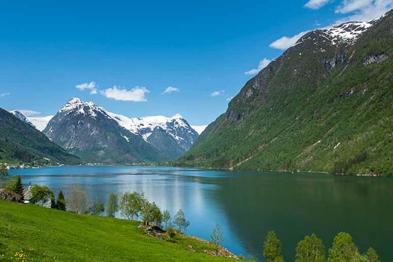 Fjaerlandsfjorden i Norge