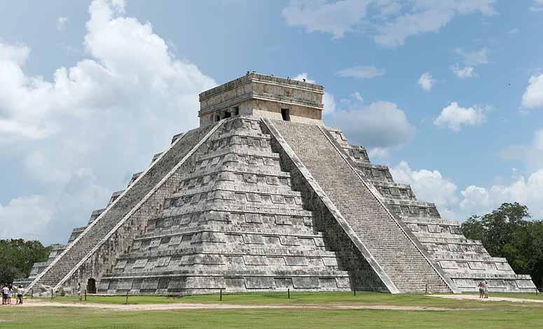 El Castillo i Chichen Itza, Mexiko